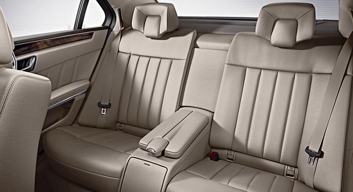Mercedes clase E interior, alquiler de coches con conductor Coexpress